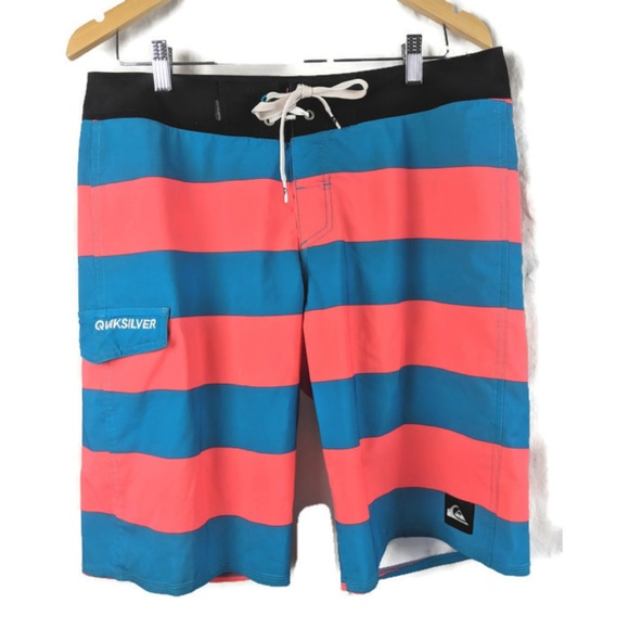 4719231b077a Quiksilver Boardshorts Mens 32 Swimsuit. M_5cc766edbbf076f87aa039eb